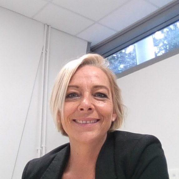 Mme Aline Monteau